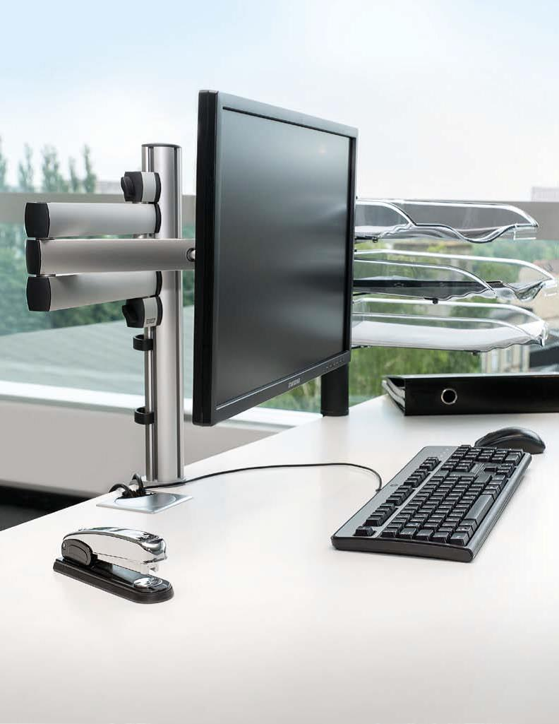 Novus Folding Arm 3 monitor mount